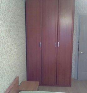 Шкаф с тумбочкой