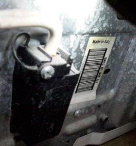 Встраиваемая посудомоечная машина Smeg.