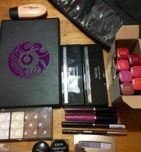 Набор косметики б/у и новая и чехол для кистей