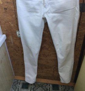 Женские белые джинсы 27 размер