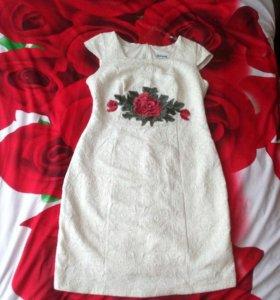 Красивое платье 46-48
