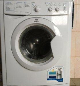 Узкая стиральная машинка Indesit misc 605