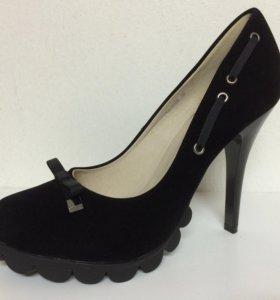 Новые туфли чёрные MakFine
