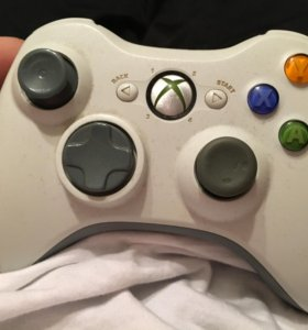 Геймпад на Xbox 360.