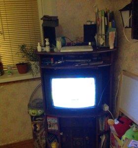 Тумба под телевизор (с телевизором)