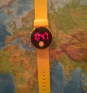 Часы спортивные