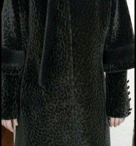 Отличное пальто,одевалось пару раз