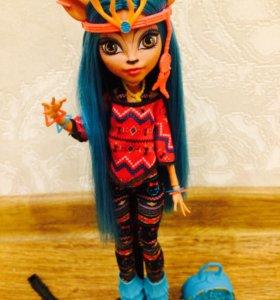 Кукла Monster high issi downdancer