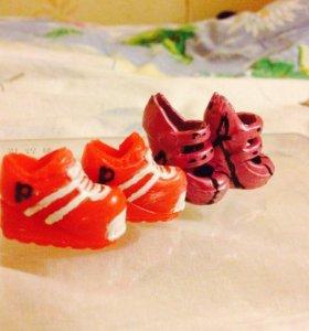 Туфли и кроссовки для кукол.