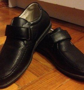 Обувь для мальчика. Звонить по тел. 89181467552