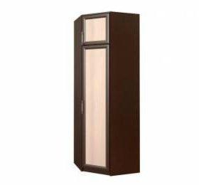 Угловой шкаф,без полочек.