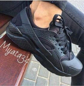 Новые мужские кроссовки 44 размера