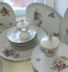 Чайно- столовый сервиз на 12 персон