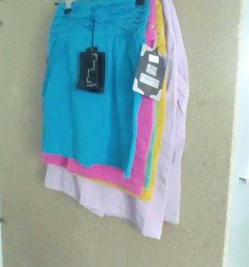Юбки и рубашки с короткими рукавами