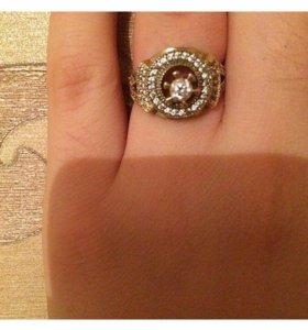 Золотое кольцо 53 фионита.