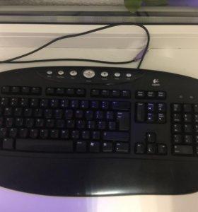 Клавиатура Logitech проводная.