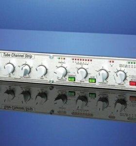 Микрофонный предусилитель DBX 376