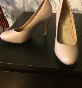 Туфли новые.одевала на свадьбу на пару часов