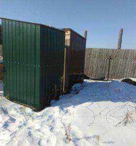 Туалеты, будки для собак.