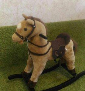 Музыкальная качалка лошадка
