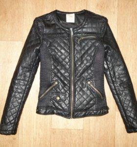 Фирменная куртка Zara, размер XS