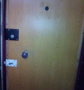 Дверь мнталлическая б у