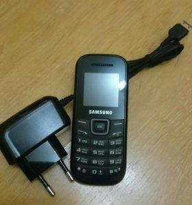 Samsung GT-E 1200M
