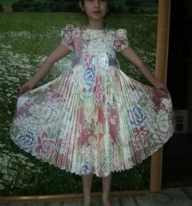 Платье-плиссэ с подъюбником