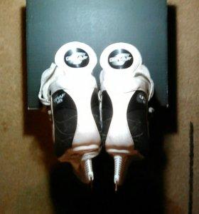 Хоккейные коньки GRAF 105