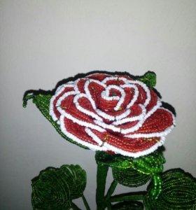 Роза из биссера