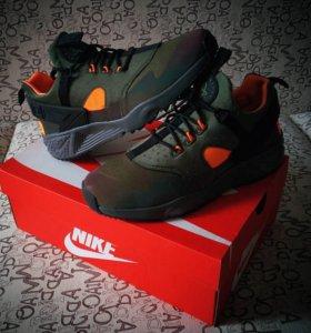 Nike Air Huarache Utility PRM (8 US)