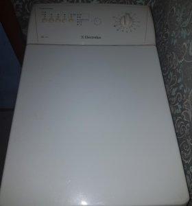 Стиральная машина Electrolux EWT1011