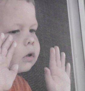 Для безопасности ребенка. Замок на окно