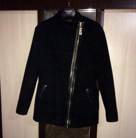 Пальто из искусственного кашемира.