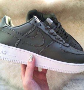 Кроссовки Nike Air Force low зеленые