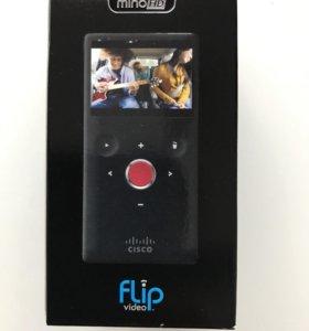 Видеокамера Flip Video cisco