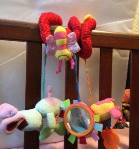 Детская развивающая игрушка подвесная
