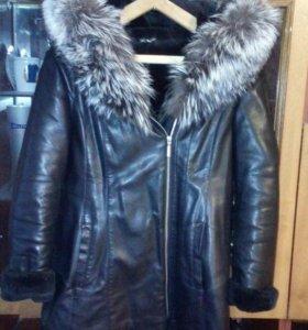 Кожанная зимняя куртка а хорошем состояние