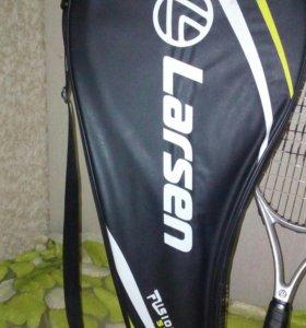 Ракетка для тенниса с чехлом для нее.НОВАЯ!