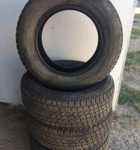 Резина зимняя Bridgestone