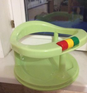 Стульчик для кормления и купания малыша