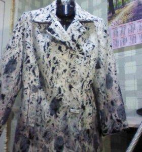 Демисезоное полу-пальто 48- 50 размер