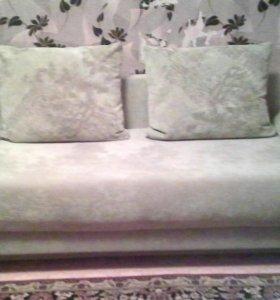 Новый диван,ярко зелёный