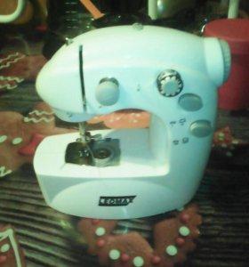 Швейная машина Leomax