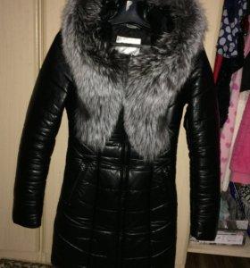 Пуховое пальто из ЭКО кожи