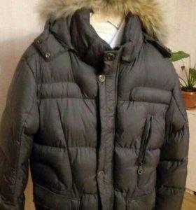 Практически новая мужская куртка