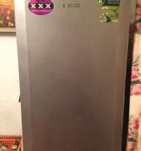 """Холодильник """"Beko""""."""