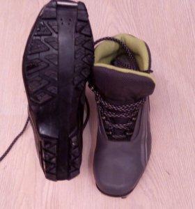 Лыжные ботинки (под коньковый и класический ход)