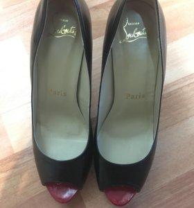 Продам туфли Christian Louboutin