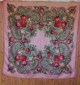 Розовый платок с цветами